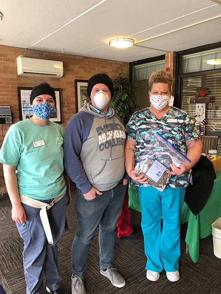 PTK Students Donate Masks