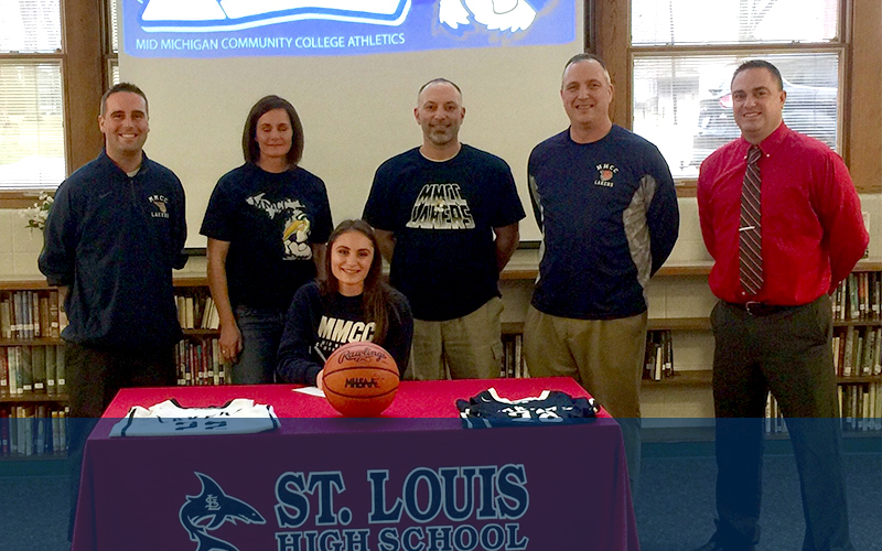 Kamrie Filpiak (St. Louis H.S.) joins the Lakers Basketball Team